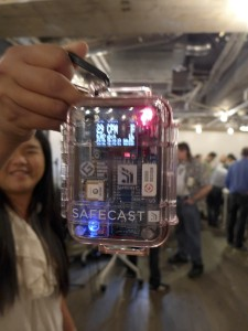 Orapin Sythe with Nano radiation detector she built in Tokyo